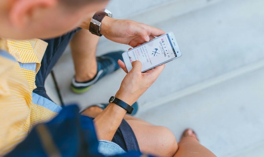 मोबाइल से पैसे कैसे कमाये | 8 अच्छे तरीके समझें।